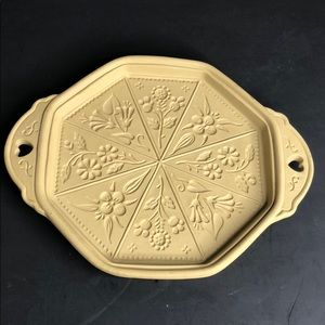 VTG Brown Bag Cookie Art Mold 1988 Thistle in EUC